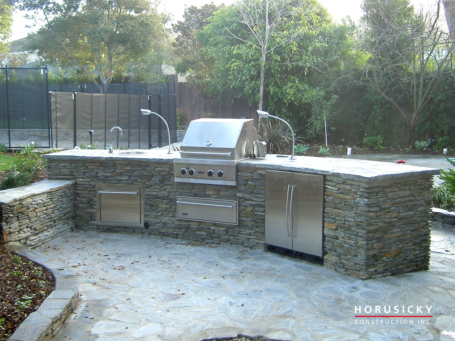 Outdoor kitchens and bbq grills horusicky construction for Outdoor kitchen construction